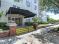 406 W Azeele Hyde Park Cristan Fadal - Entrance