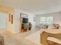 406 W Azeele Hyde Park Cristan Fadal - Living Room