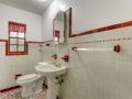 157-baltic-circle-davis-islands-cristan-fadal-bathroom