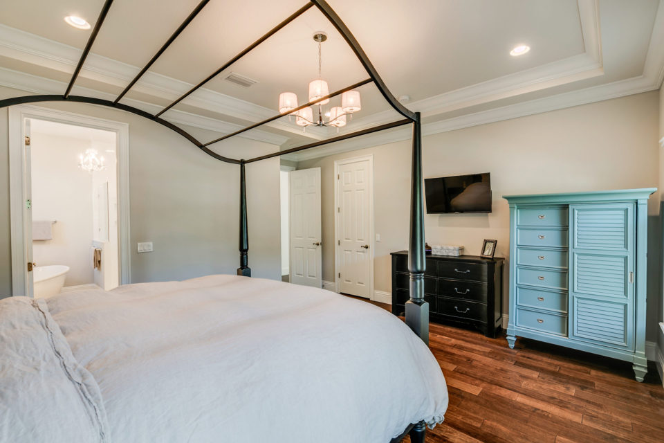 Master-Bedroom-with-Tray-Ceilings-465-West-Davis-Islands ...